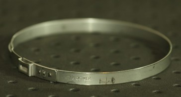 Opaska zaciskowa z zamkiem mechanicznym 84,3-87,5mm szer.7mm