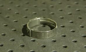 Opaska zaciskowa z zamkiem mechanicznym 26,9-30,1mm szer.9mm