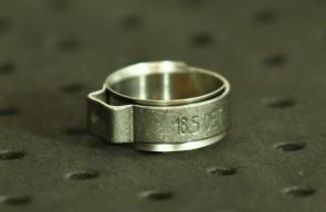 Opaska zaciskowa z wewnętrznym pierścieniem (wkładką) 15,6-17,8mm szer.8,2mm