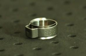 Opaska zaciskowa z wewnętrznym pierścieniem (wkładką) 12,8-14,8mm szer.8,2mm