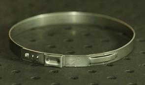 Opaska zaciskowa z zamkiem mechanicznym 70,8-74mm szer.7mm