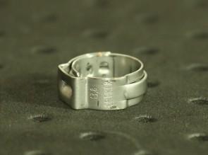 Opaska zaciskowa z zamkiem mechanicznym 11,3-13,8mm szer.7mm
