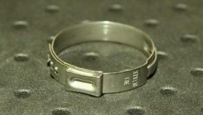 Opaska zaciskowa z zamkiem mechanicznym 26,9-30,1mm szer.7mm